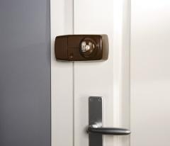 Secvest Funk-Tür-Zusatzschloss mit Innenzylinder (braun) Anwendungsbeispiel