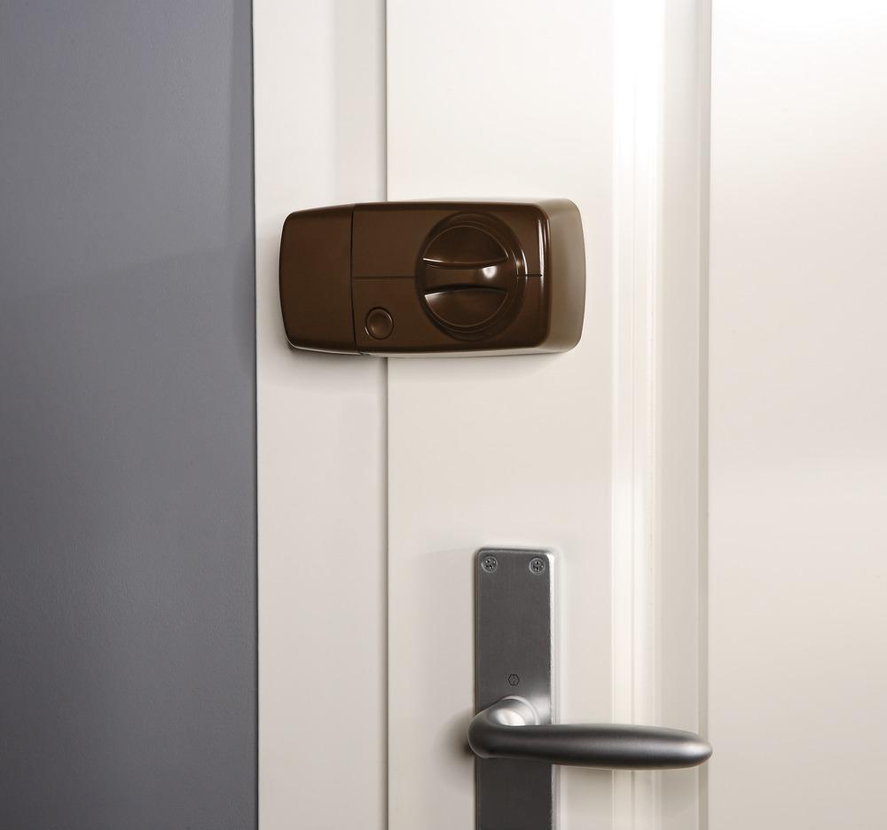 Secvest Funk-Tür-Zusatzschloss mit Drehknauf (braun) Anwendungsbeispiel