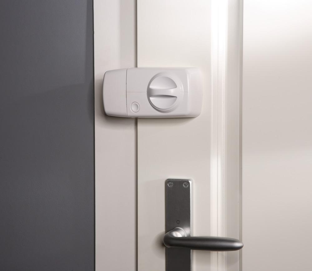 Secvest Funk-Tür-Zusatzschloss mit Drehknauf (weiß) Anwendungsbeispiel