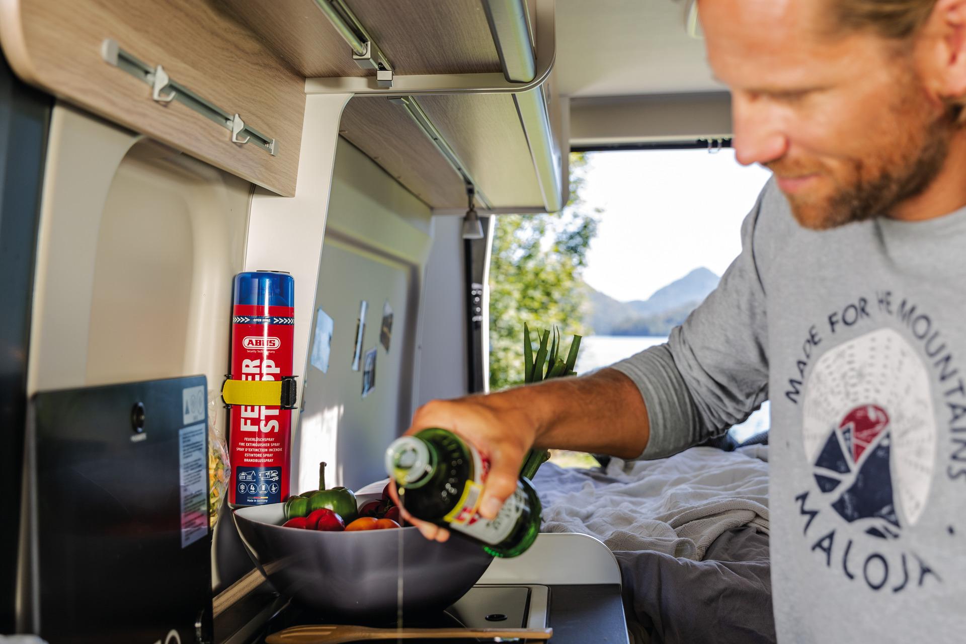 Anwendungsbeispiel – Feuerlöschspray Feuerstopp im Wohnwagen