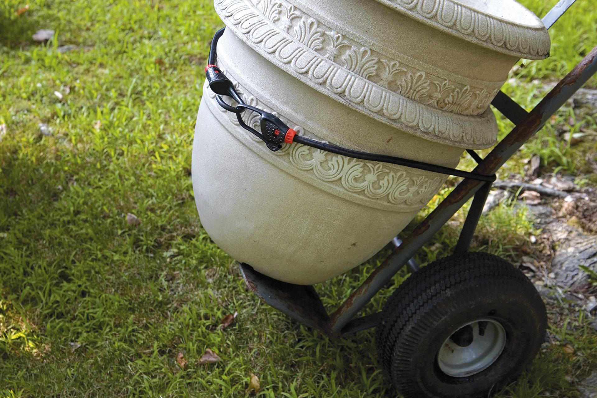 Anwendungsbeispiel – Bungee-Seil im Garten