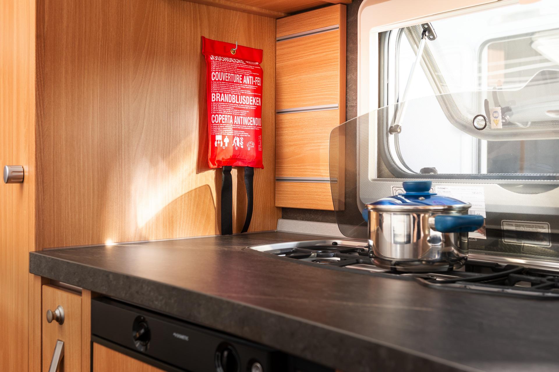Anwendungsbeispiel – Löschdecke im Wohnmobil