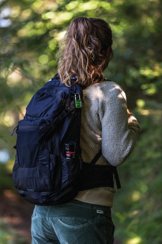 Das handliche Abwehrspray zur Tierabwehr im Wald