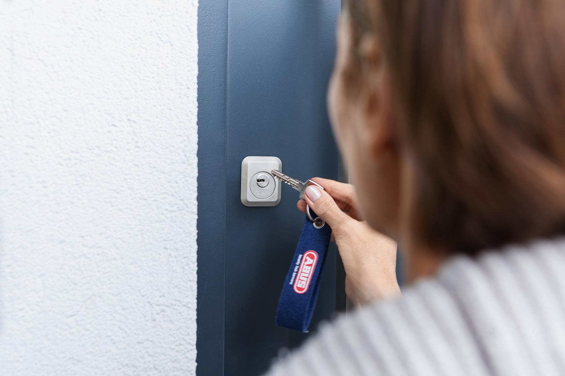 Tür-Zusatzschloss 7025 von außen