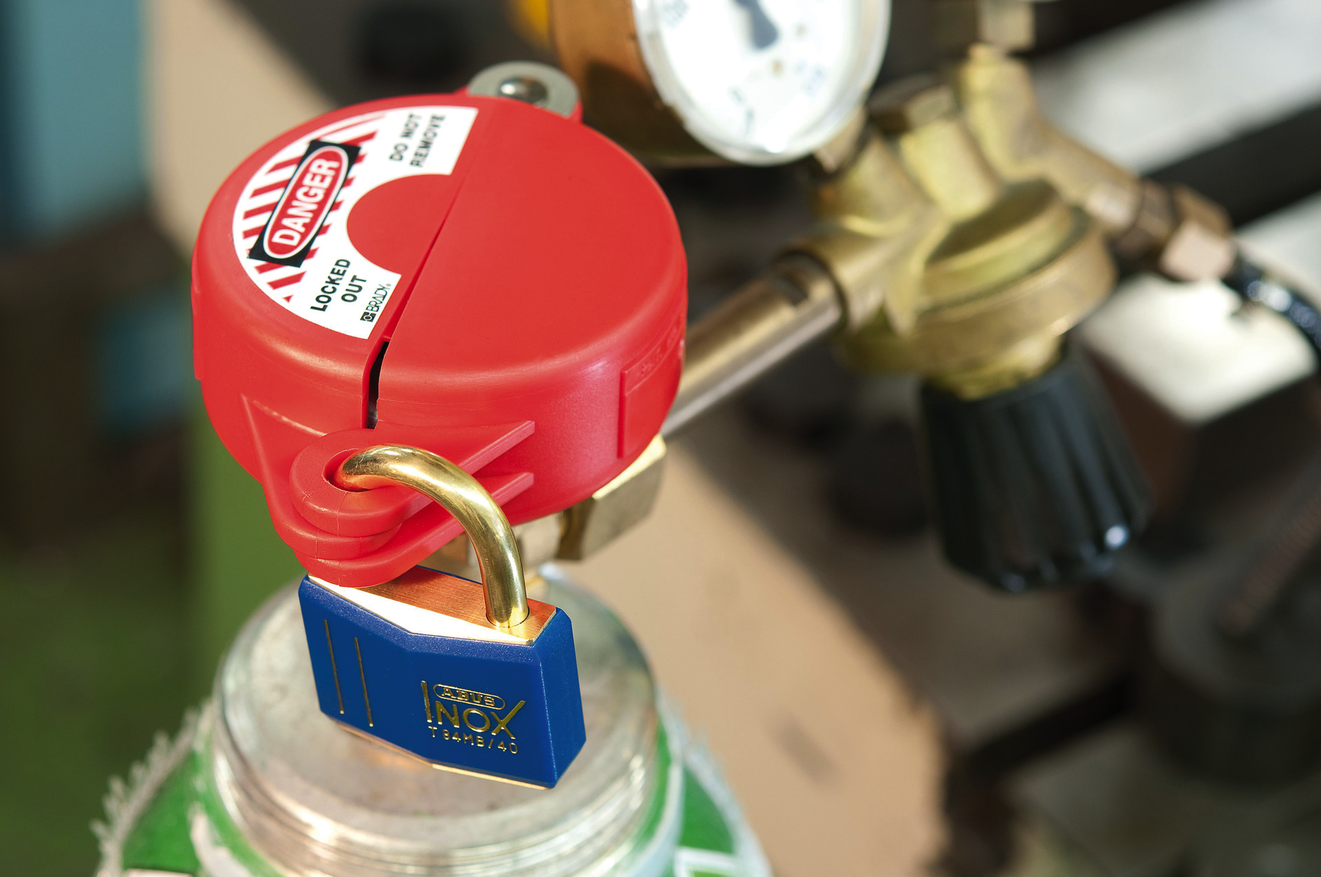 Application example - Padlock brass T84MB