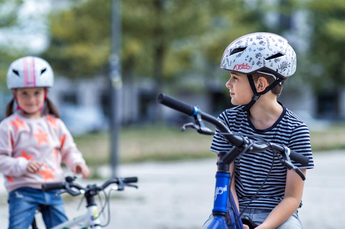 abus-fahrradhelm-jungen-kinder