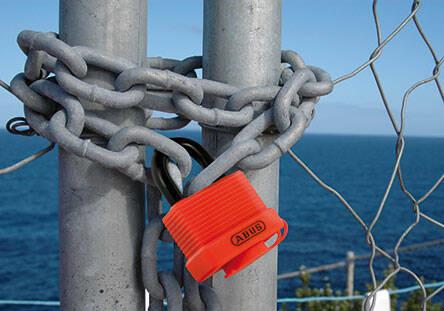Deutlich ins Auge sticht das 70AL Life Vest Orange. © ABUS