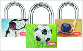 The padlock series mySport suits perfectly to secure for example your locker in gym. © ABUS